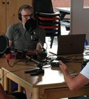 Luister de podcast